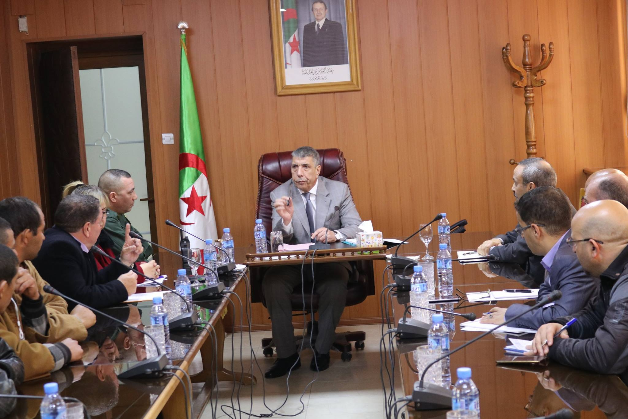 استقبل  والي ولاية المدية  السيد عباس بداوي جمعا من سكان فرقة المرابطين ببلدية الربعية بحضور عدد من المدراء الولائيين