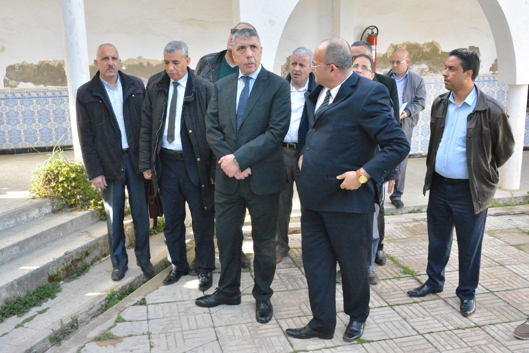 زيارة فجائية لكل من مقر دائرة و بلدية قصر البخاري